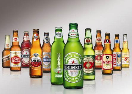 La cerveza es ácida y produce mucha mucosidad capaz de cortar la emisión de voz.