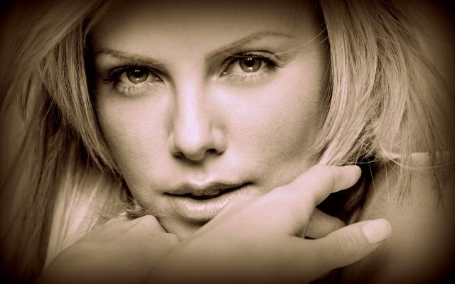 La bella actriz Charlize Theron.