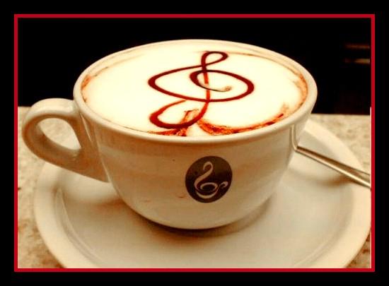 El café deshidrata por su alto contenido de cafeína.