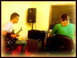 Grabando Guitarras en Mar Estudios.